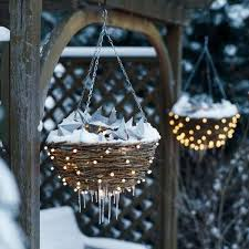 winter-yard-lighting
